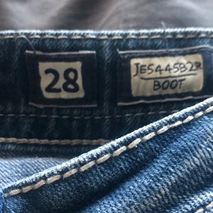 Miss me boot cut size 28